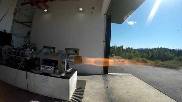 Hybrid_rocket_motor_static_firing_large.jpg